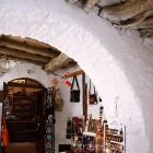 naxos-apeiranthos-village-01