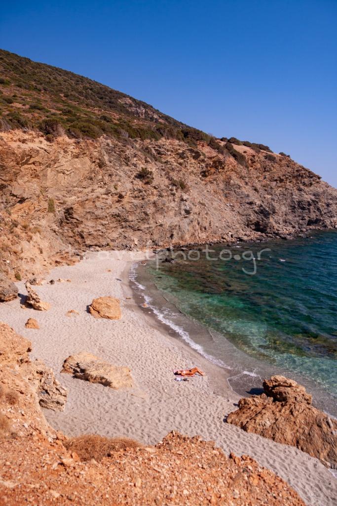 Μαρμάρι νότια Εύβοια, παραλία Ζάστανη