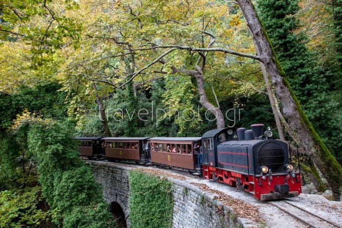 trenaki-piliou-moutzouris-travelphoto.gr